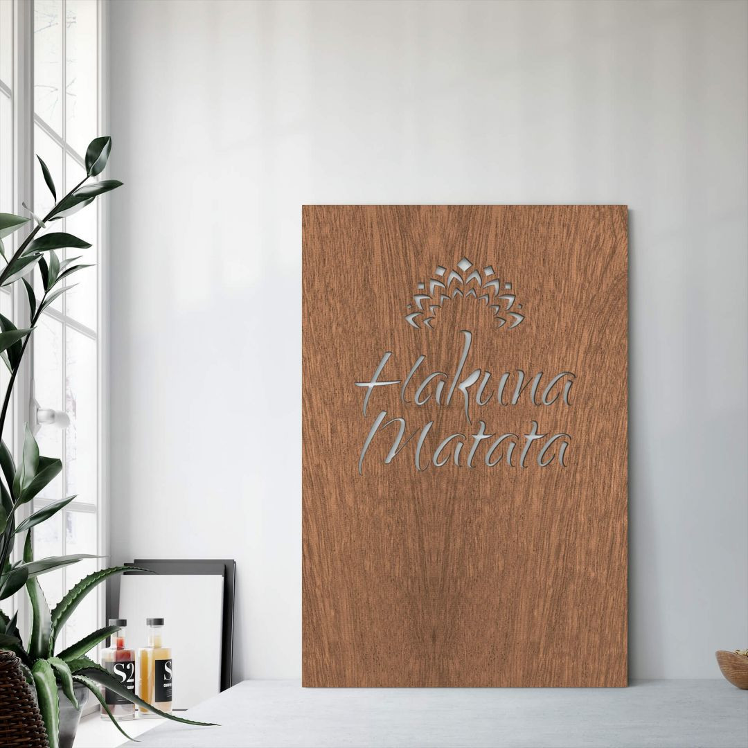 Dekobild Mahagoni - Hakuna Matata mit Blume - WA288665