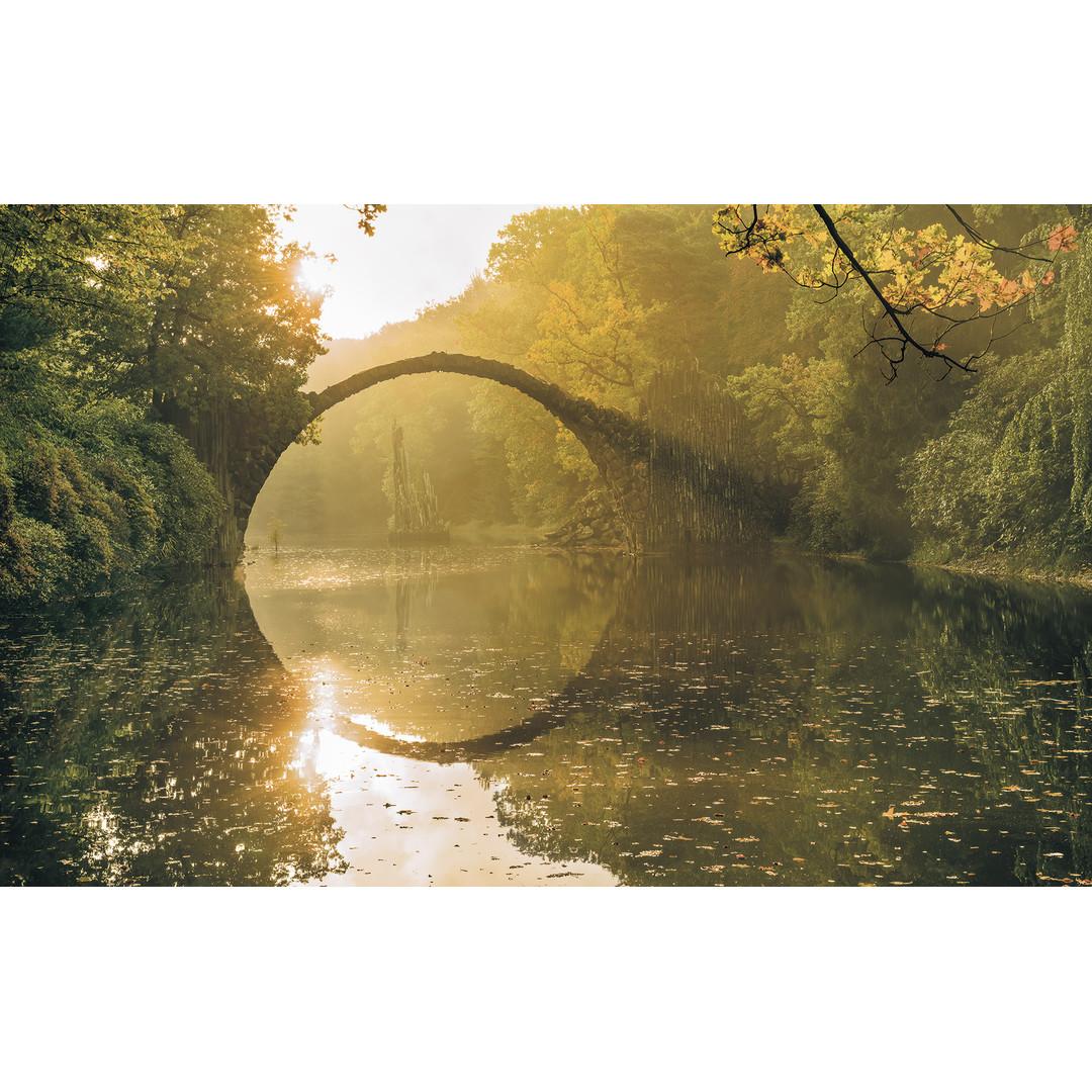 Sonderanfertigung Exklusive Vliestapete Devil's Bridge - KOSH037-VD4-ONE