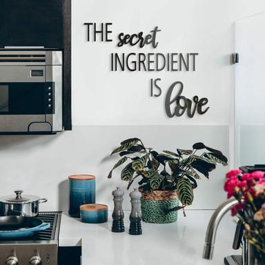 Acrylbuchstaben The secret ingredient is love