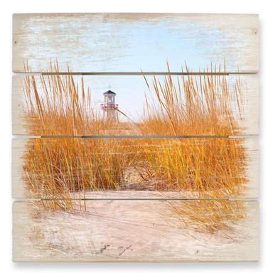 Holzbild Leuchtturm im Strandfeld