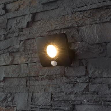 LED Flutlichtstrahler Bolton 3000K IP65 mit Bewegungsmelder 10W