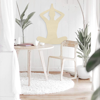 Holzdeko Pappel - Yoga Pose sitzend 02