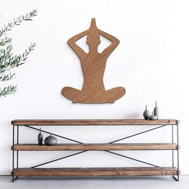 Holzdeko Mahagoni - Yoga Pose sitzend 02
