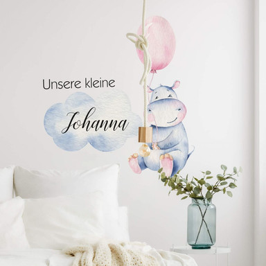 Wandtattoo Kvilis - Kleines Flusspferd mit rosa Luftballon & Wunschname Mädchen