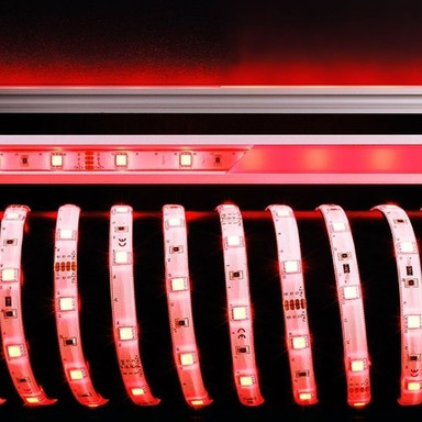 Flexibler LED-Stripe mit RGB-Farben, 5000 mm, IP33. 12 V