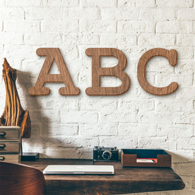 Holzbuchstaben Mahagoni - Schriftart Courier