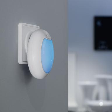 LED Kinder-Steckdosenleuchte mit Farbwechsel, Ein- und Ausschalter, weiss
