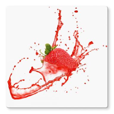 Glasbild Splashing Strawberry