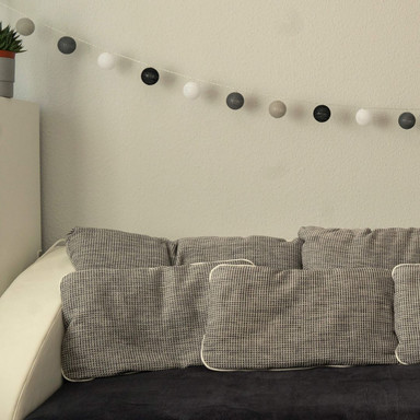 Cotton Ball Lights LED-Lichterkette schwarz grau 20-teilig - Bild 1