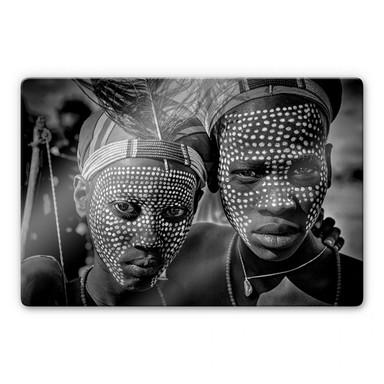 Glasbild Kuesta - Porträt des Abore-Stammes