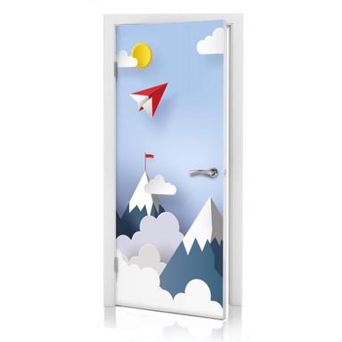 Türdesign Papierflieger in den Bergen