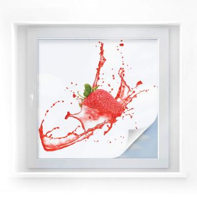 Sichtschutzfolie Splashing Strawberry - quadratisch