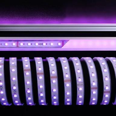 LED Stripe 5050-60-24V-Rgb&6200K-5M-Silikon in Weiss 2400lm IP67