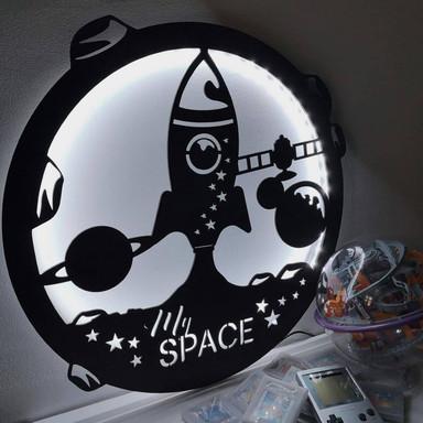 LED-Leuchtdeko aus MDF - My Space Rakete