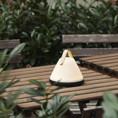 Tragbare designer LED Tischleuchte StrapTo Go by Bjorn & Balle