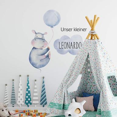 Wandtattoo Kvilis - Flusspferd blauer Luftballon & Wunschname Junge