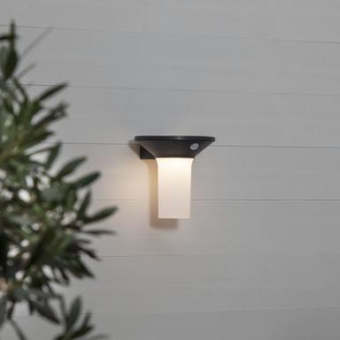 LED Solar Wandleuchte Valta in Graphit IP44 mit Bewegungsmelder