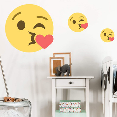 Wandtattoo Emoji Throwing A Kiss