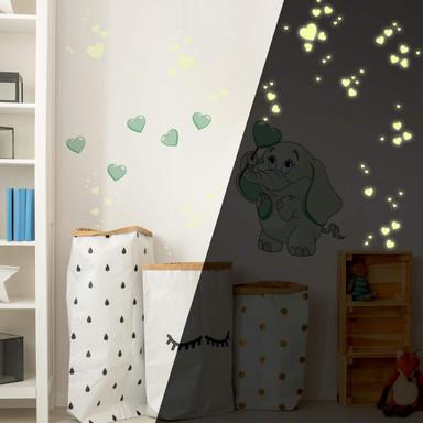 Wandsticker Elefantenbaby mit Herzen (grün) + Leuchtsticker