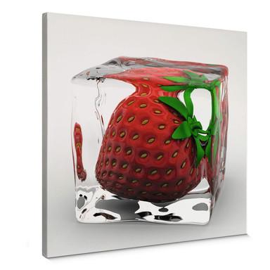 Leinwandbild Erdbeereiswürfel