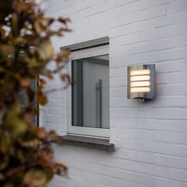 LED Aussenwandleuchte Farell aus Edelstahl mit Bewegungsmelder