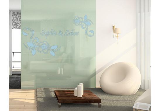 Folienfarbe in Wohnansicht: Offshore Blue - Glasdekor Wunschtext Hibiskustraum