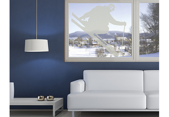 Folienfarbe in Wohnansicht: Frosted - Glasdekor Wunschtext Skispringer
