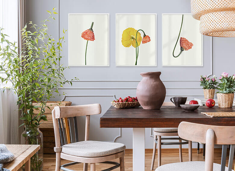 Poster-Set mit Bilderrahmen Die rote Blüte (3er Set)